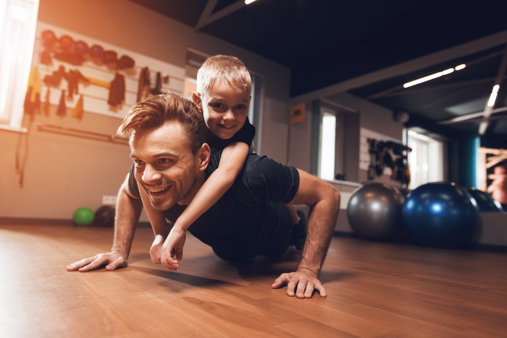 parents-exercise-with-kid